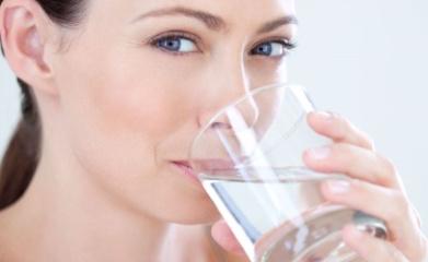 Что можно пить при цистите и сколько жидкости употреблять